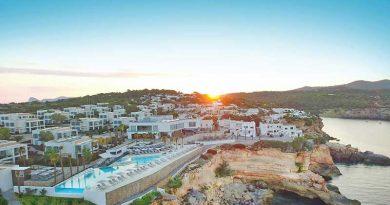 """Vorzeigeprojekt """"7Pines"""" auf Ibiza muss ohne seinen Mitbegründer in die neue Saison starten"""