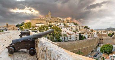 Quarantäne-Motive von Ibiza: Ohne Menschen, doch voller Leben!