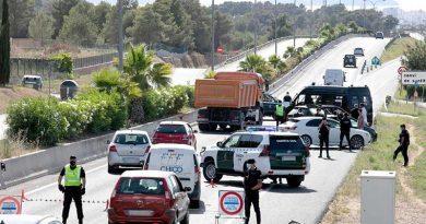 Mit der Waffe im Anschlag: Anti-Terror- Spezialeinheit auf der Hippie-Insel Ibiza