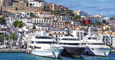 Die Luxusliegeplätze im Hafen von Ibiza-Stadt stehen zur Disposition