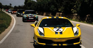 """""""Sixters"""" flitzen über die Landstraßen Ibizas – Boxenstopp der Sportwagen-Community auf den Balearen im Rahmen der neuen """"Collection Tour"""""""