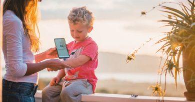 """Kleiner Stich, großes Kratzen: Mit dem Handy-Stick von """"Heat It"""" gibt es kein Jucken mehr – Moskitos können einem im Sommer die Laune verderben – Tipps & Tricks, die Abhilfe schaffen"""