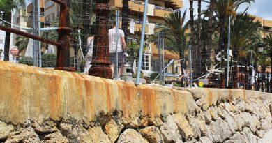 Einsturzgefahr bannen: Arbeiten am Paseo von Santa Eulalia im Juni angelaufen – Mauerwerk muss gestützt werden – Schwere Geräte an der Seepromenade