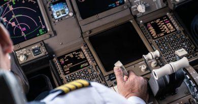 Erhöhte Thrombosegefahr bei Flugreisen nach Impfung? – Plötzlicher Tod von vier Piloten von British Airways wirft Fragen auf