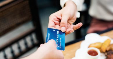 """Im Laden muss ab sofort alles über 1.000 Euro mit Karte bezahlt werden – Die spanische Regierung senkt im Rahmen des """"Ley Antifraude"""" erneut die Bargeldgrenze"""